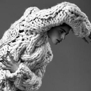 (Mehr) Kunst als Mode: Die Strickkollektionen von Nanna van Blaaderen
