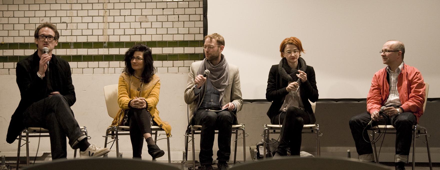 Panel mit Mark Starmans, Sofia Minney, Frans Prins sowie Caroline Drucker und Norbert Henzel | Beyond Fashion Summit | Fotocredit: SEBASTIAN-MARGGRAF